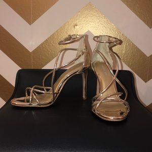 GOLD STRAPPY HEELS BY GIANNI BINI😍